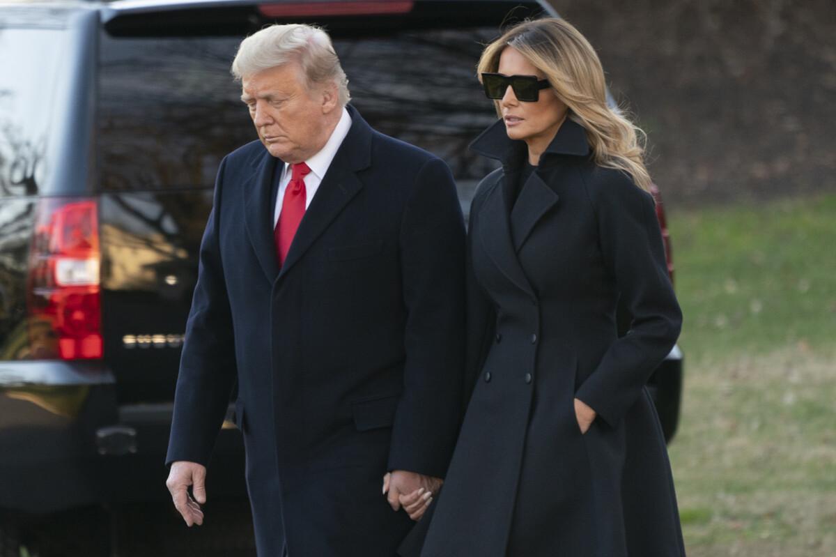 Мелания Трамп блеснула в кожаных ботфортах у Белого дома
