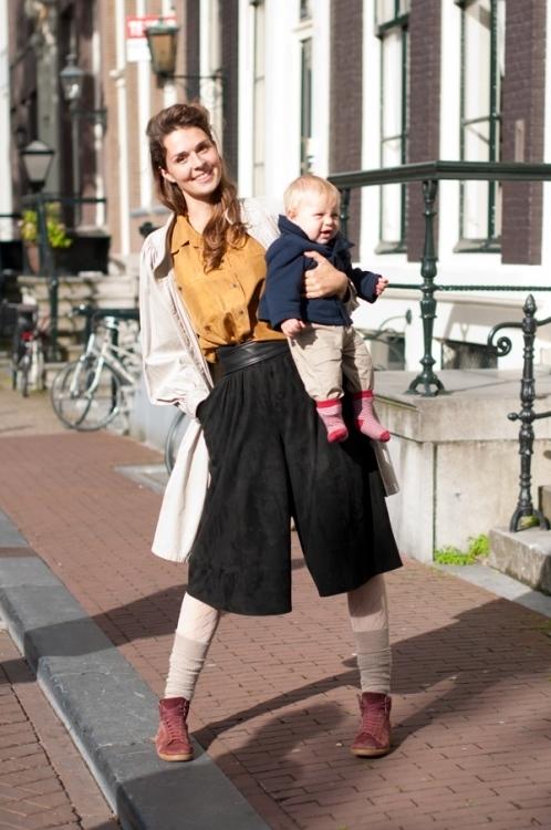 Секс девушки амстердама, молодая украинка получила групповой анал