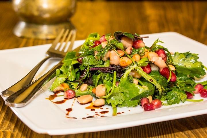 Рецепты салатов с бобовыми