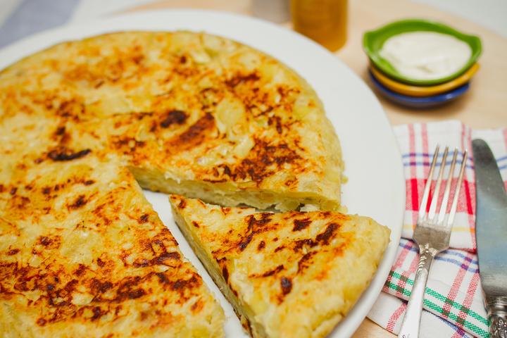 Картофельно-луковый омлет
