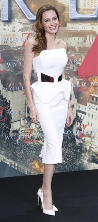 Анджелина джоли сильно похудела: актриса весит 42 килограмма.