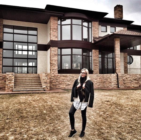 фото новый дом бузовой и тарасова