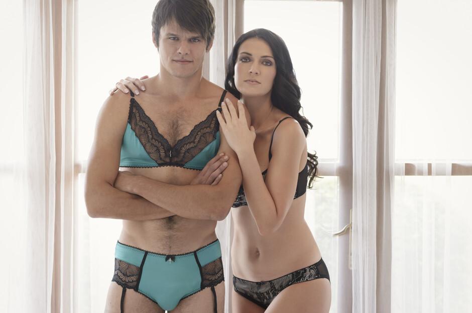 Секс с мужем одетым в женское нижние бель