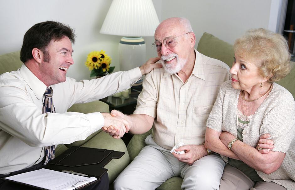 Вот как надо договариваться с пожилыми дамами