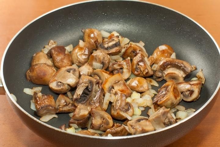 Как жарить свежие грибы