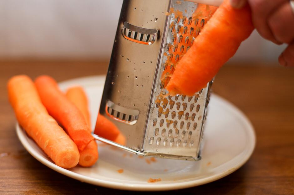 Скромно, сердито, дешево)) морковные «рафаэлло»