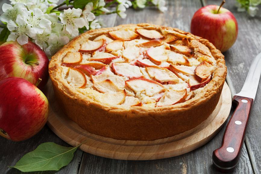 Сухой яблочный пирог цельнозерновой, закрытый
