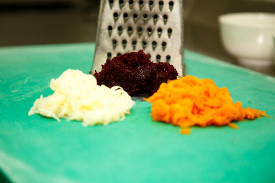 ингридиенты для селедки под шубой Сельдь под шубой | Рецепт салата Шуба с фото | Классический ...