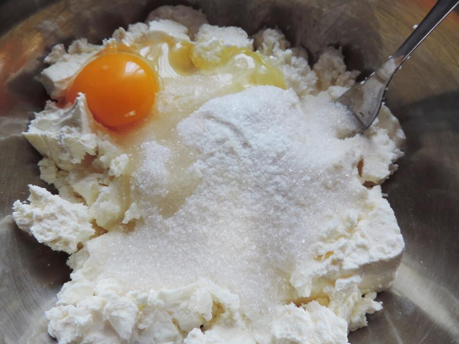Сырники с черникой в духовке