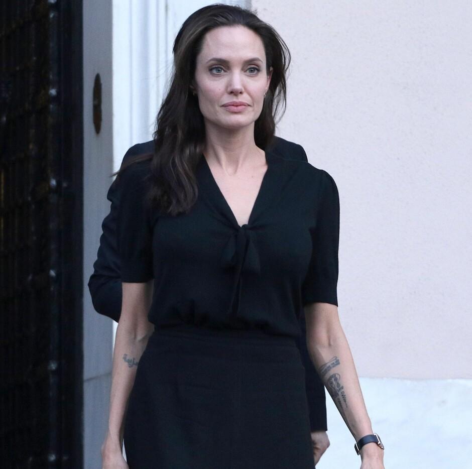 СМИ: Анджелина Джоли сильно похудела - Светская жизнь ... анджелина джоли сейчас