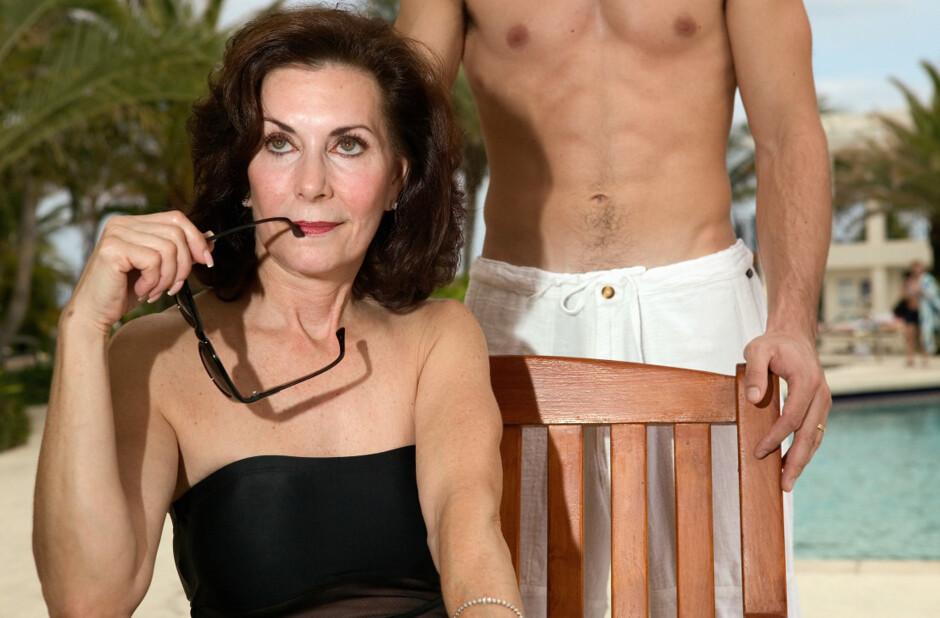 Секс Старых Женщин С Мальчиками