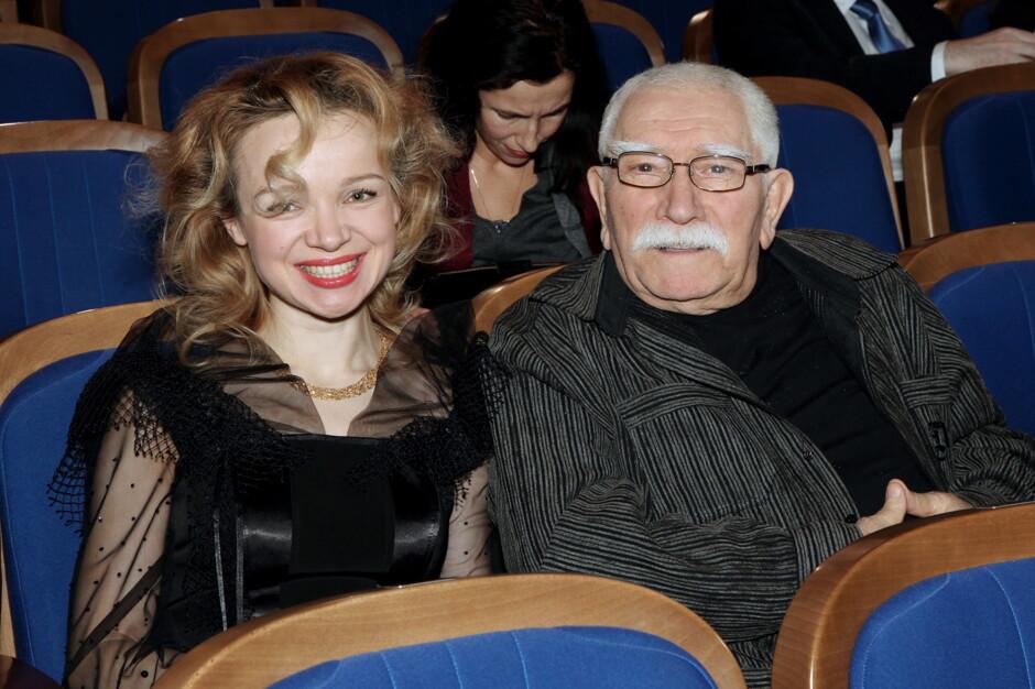 Картинки по запросу Армен Джигарханян о своей молодой супруге