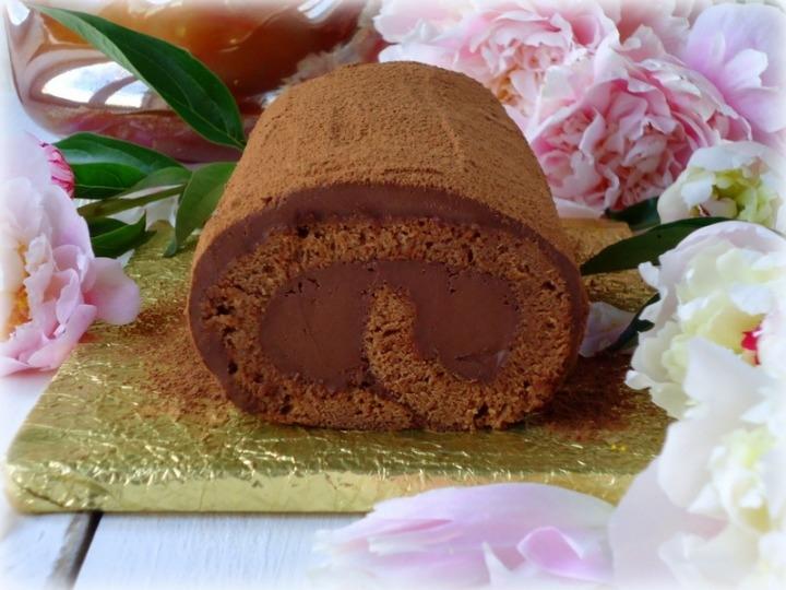 Рецепт шоколадного рулета с трюфельным кремом