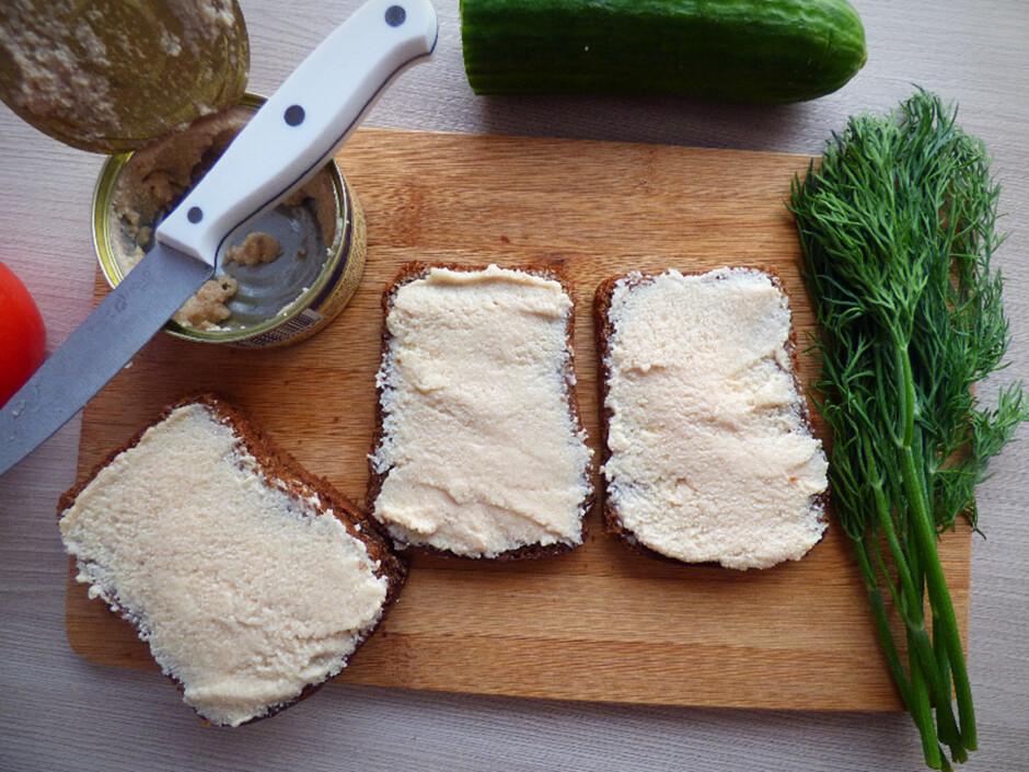 Перед вами рецепт очень вкусного и нежного крема с икрой трески.